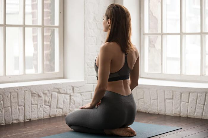 肩こり解消のためにストレッチと筋トレをする際の注意点