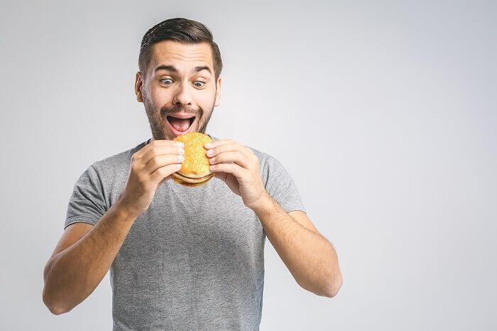 ダイエット中の食事で避けること