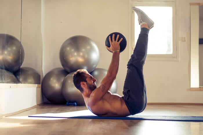腹筋の下腹部を鍛える最強トレーニング10選