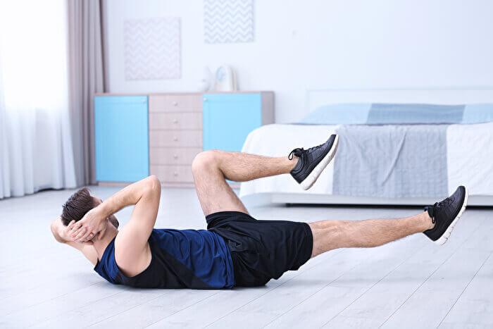 腹筋をより追い込む!バイシクルクランチと併せて行うと効果的な筋トレメニュー