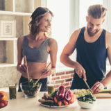 筋トレでダイエットを成功させるには食事が重要!健康的に痩せる食事とトレーニングを解説