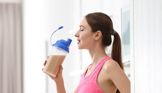 プロテインを飲むと太る?痩せるための活用方法やダイエットに最適なプロテインを解説