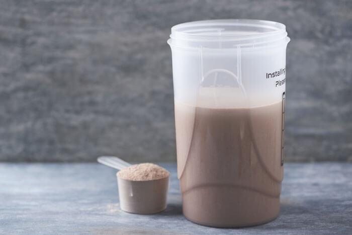 液体を先に入れ、粉は後から入れる