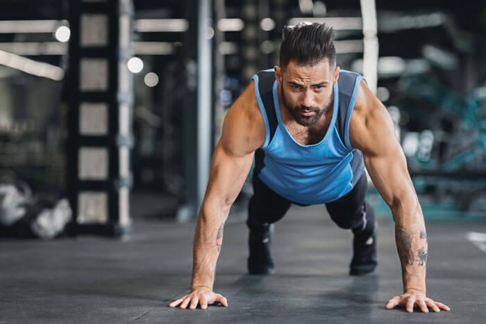 大胸筋を鍛える自重トレーニング プッシュアップ 腕立て伏せ