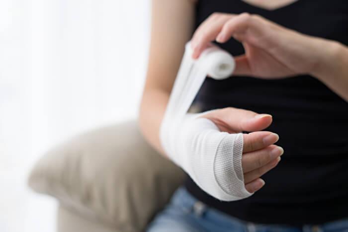 捻挫・打撲への対処方法②:固定&安静
