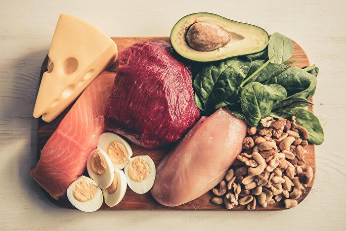 1.低脂質高タンパク質の食事にする