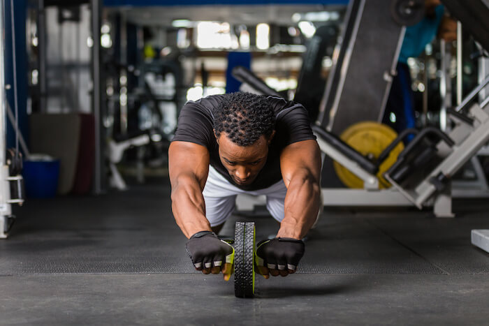 自重では物足りない人におすすめの高負荷腹筋トレーニング