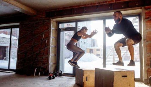 ジャンピングスクワットの効果と正しいやり方。負荷をあげるコツや鍛えられる筋肉も解説