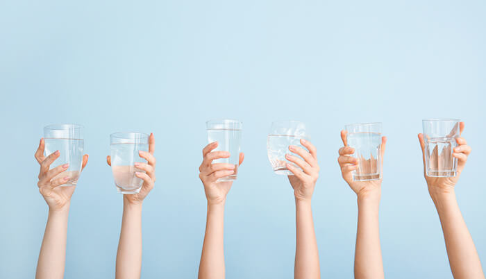 ダイエット中に避けるべき飲み物の特徴と見分け方
