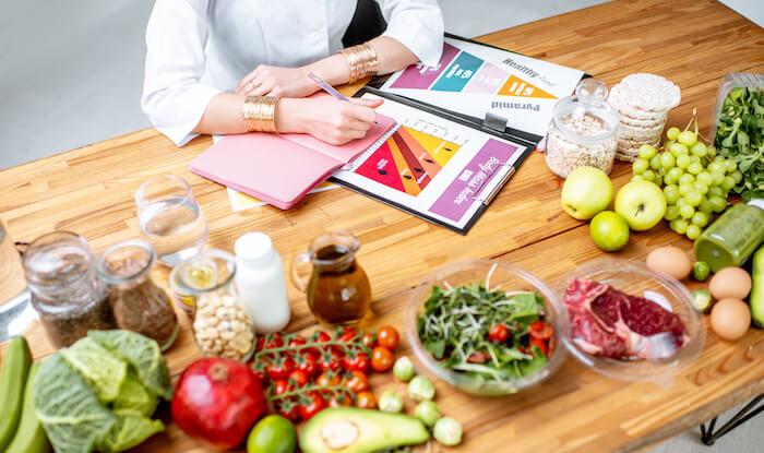 ダイエットに効果的な栄養素とおすすめの食材!