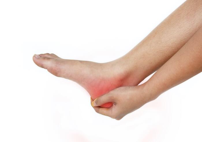 足の裏に痛みが出る