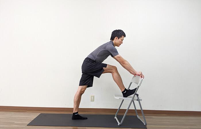 腰痛改善に効果的なハムストリングストレッチ