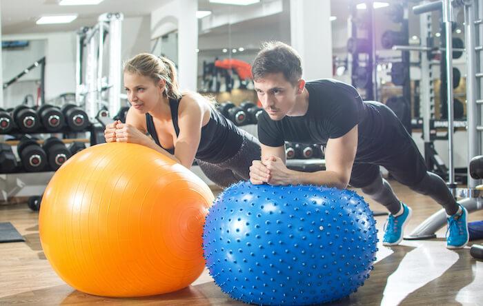バランスボールを体幹トレーニングに使うメリット