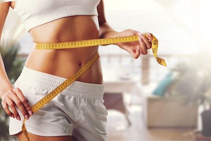 おうちで引き締まった「美腹筋」を手に入れる。女性のための腹筋の鍛え方・食事法
