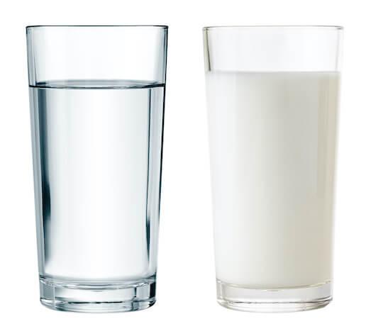 プロテインは牛乳と水どっちがおすすめ?