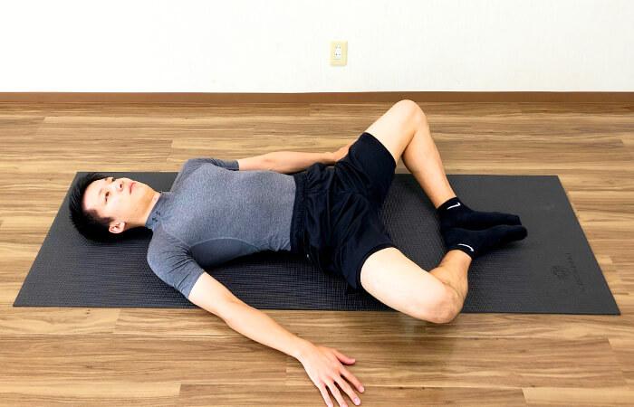 1.寝ながらできる内転筋ストレッチ
