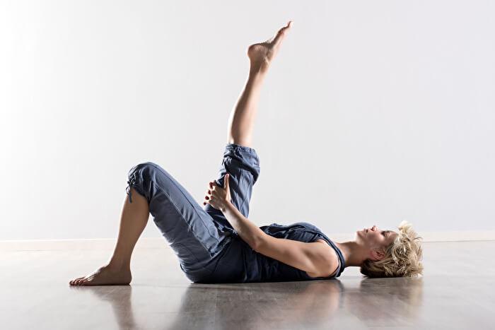 内ももを伸ばす「内転筋ストレッチ」7選!太もも痩せ&O脚改善効果も