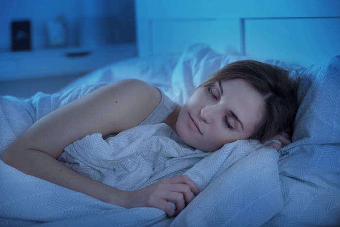 寝る前の筋トレの効果とは?就寝前のおすすめ筋トレメニューや最適な時間帯を解説
