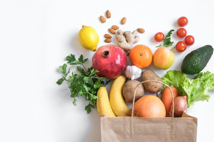 野菜などビタミン・ミネラルが豊富な食材を選ぶ