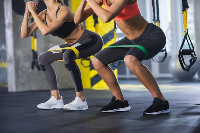 太ももを効果的に鍛える筋トレメニュー11選!自宅・ジム別におすすめ種目を紹介