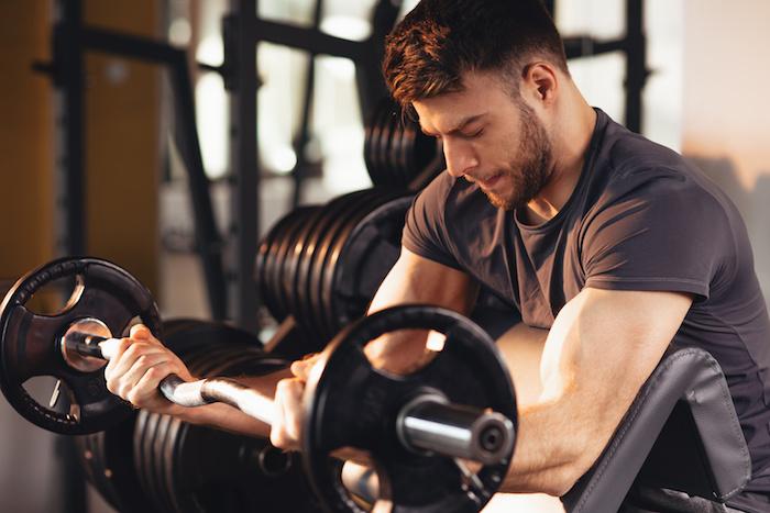 上半身を鍛える筋トレ総集編25種目!自重・ジムで効率よく上半身を鍛えよう。レベル別の鍛え方も解説