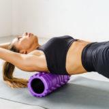 【部位別】フォームローラーの使い方を徹底解説!腰痛・肩こり・太ももをほぐす効果的なやり方とは